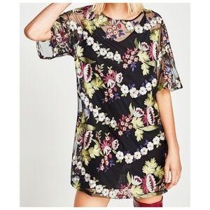 Zara W/B Embroidered Floral Tunic Dress